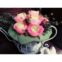 Метален чайник с цветя